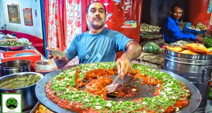 Lazeez Night Street Food In Prayagraj with Veggiepaaji EP 04